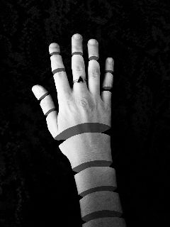 freetoedit blackandwhite hands ring
