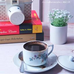whiteframe whiteonwhite cupsinframe coffeetime photography